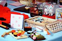 お寿司Tシャツ、お寿司キーホルダー、お寿司消しゴム、お寿司マグネットなどが人気を集めています
